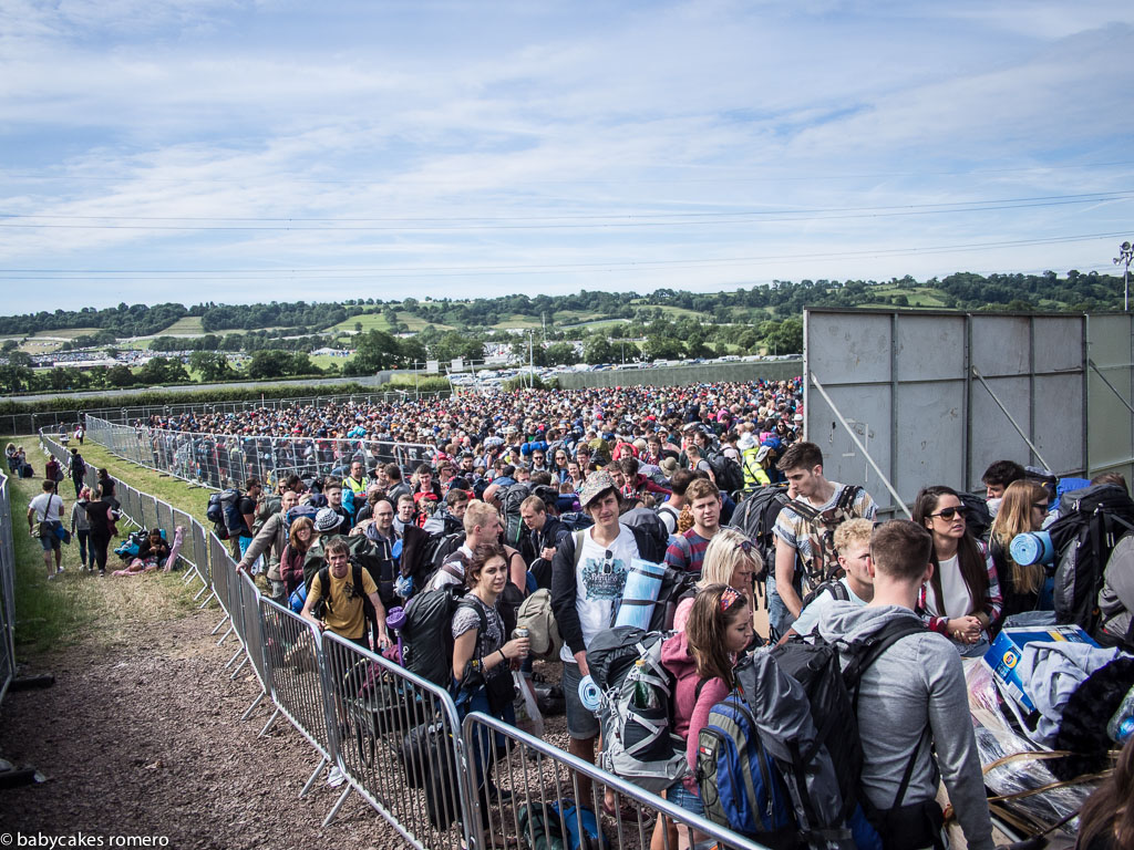 Queues for entry at Gate D Glastonbury festival wednesday enter