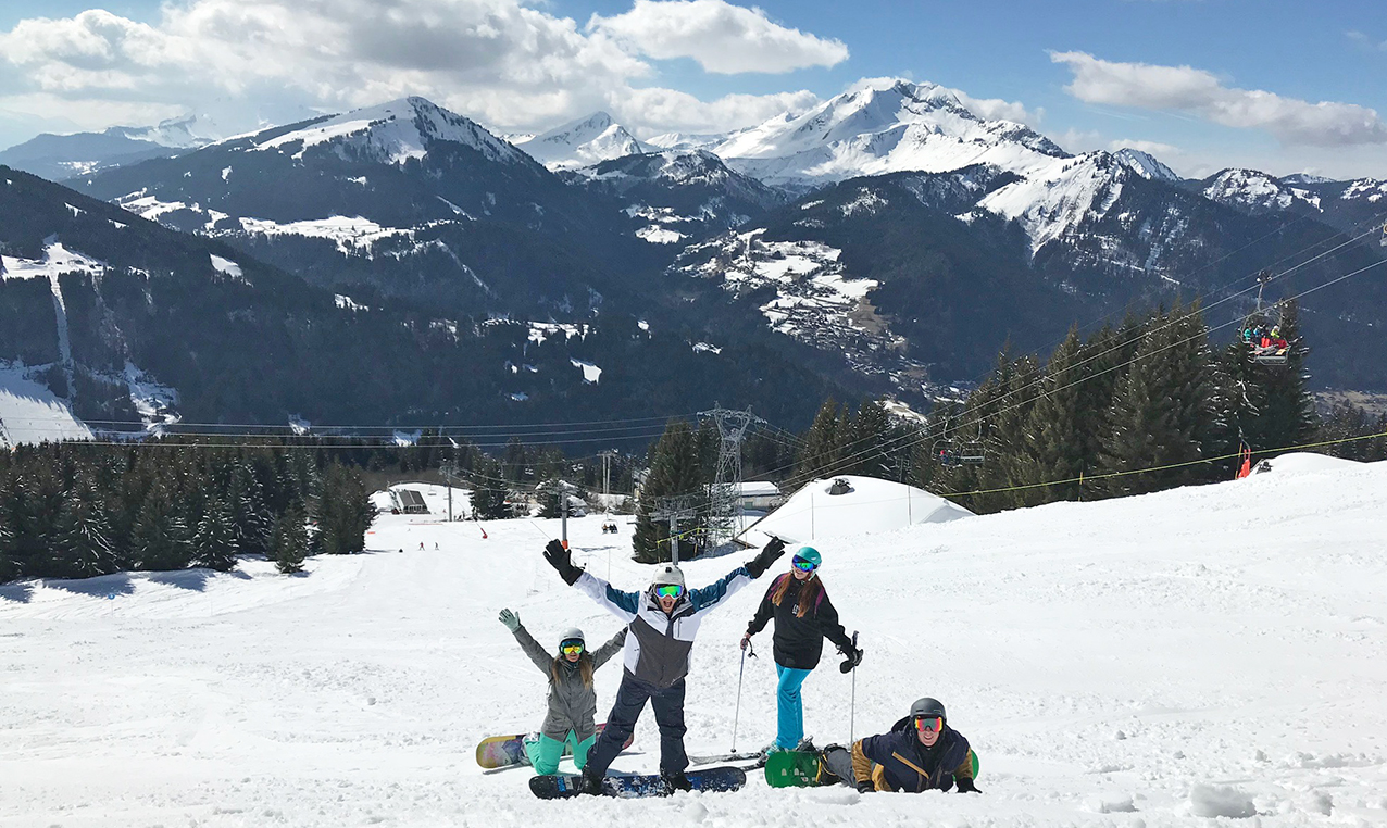 Harriet, Andy, Ell and I all posing with the mountains as our backdrop on piste in Avoriaz on our final day of Snowboxx 2018