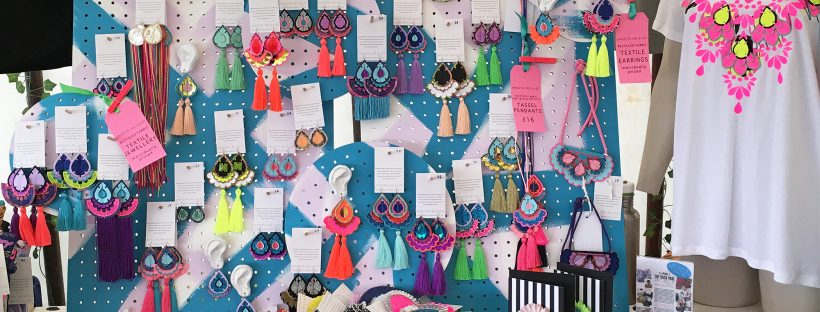 Dakota Rae Dust - handmake jewellery, t-shirts, accessories, badges and greetings cards